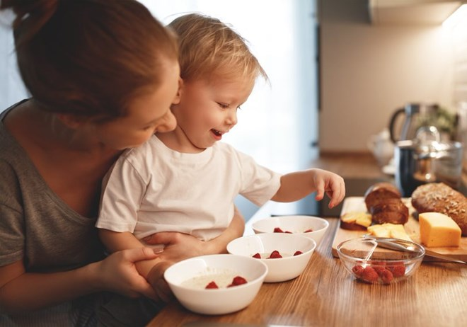 Helping children eat healthily